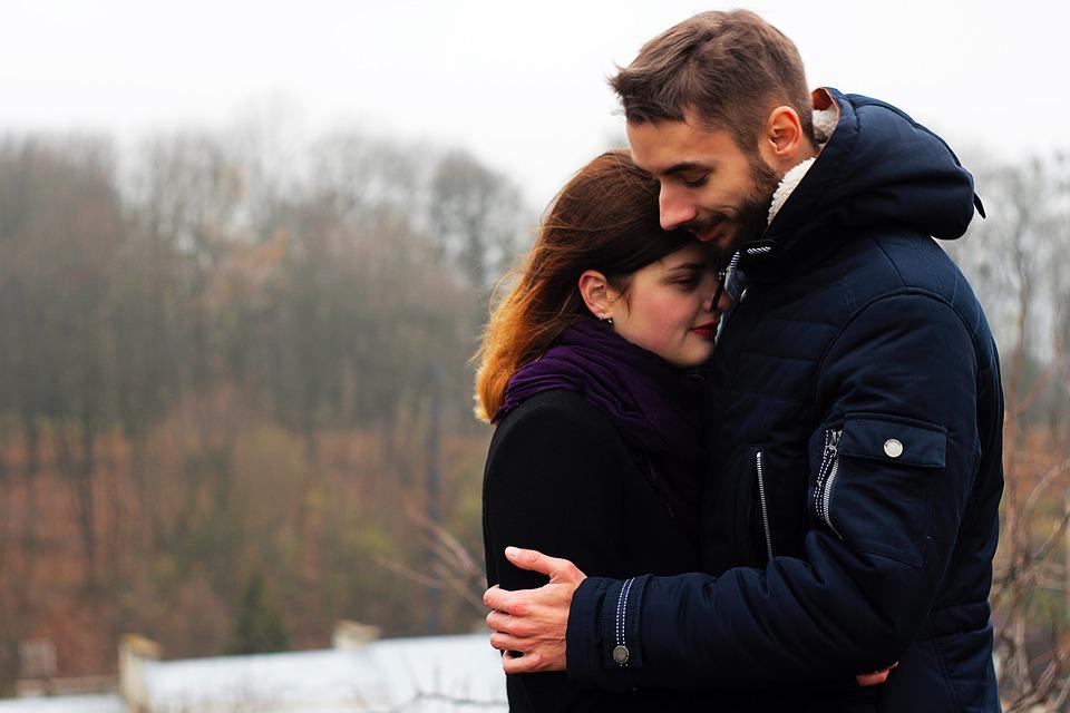 女性にモテる匂い モテたい男が絶対香水を使うべき5つの理由とは?