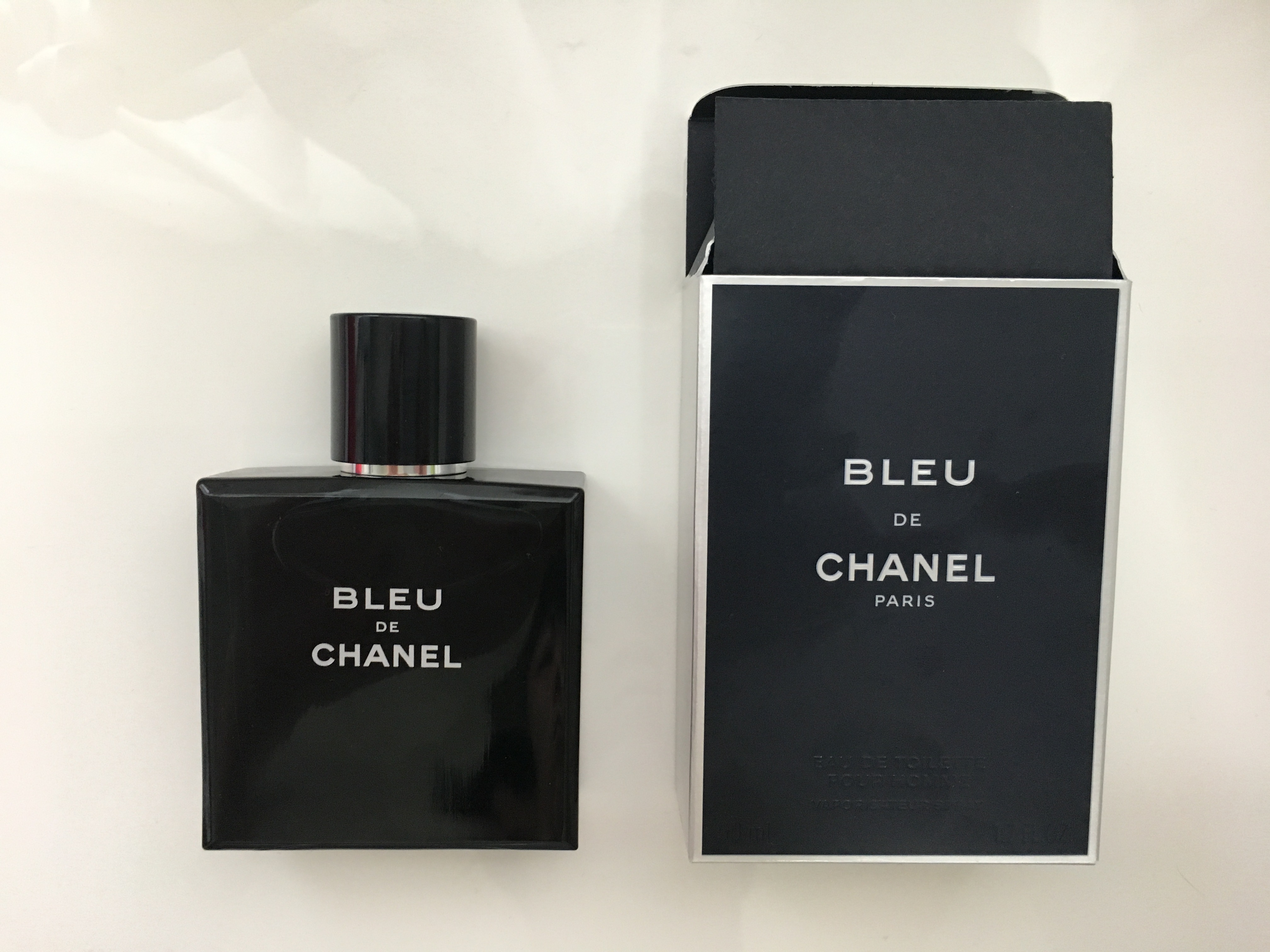 【ブルードゥシャネル口コミ】人気メンズ香水の評判・匂いを徹底解説